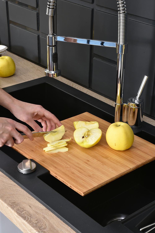 planche a decouper evier finest vier de cuisine sous lavabo sous lavabo de po l x po avec. Black Bedroom Furniture Sets. Home Design Ideas